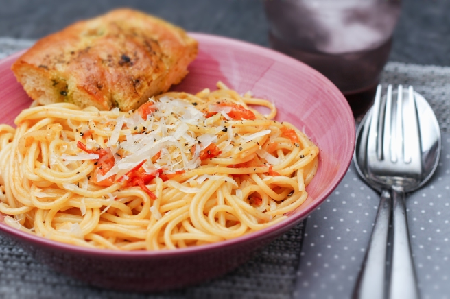 Spaghetti í rjómalagaðri tómatsósu