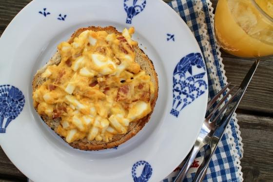 Beyglur með beikon-, eggja- og cheddarhræru
