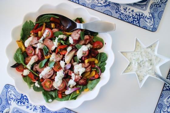 Grilluð Tandoori lambalund með salati og raita