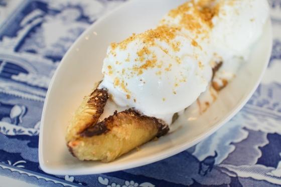 Grillaðir bananar með súkkulaði og ís